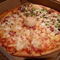 Tina's Pizzeria logo