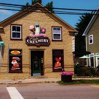 Vanilla Bean's Cafe & Creamery logo